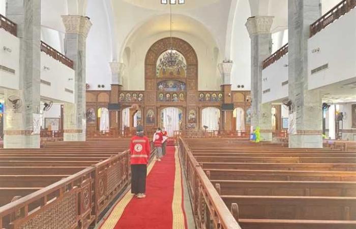 المصري اليوم - اخبار مصر- الهلال الأحمر تبدأ حملة تعقيم وتطهير كنائس الغردقة للوقاية من كورونا موجز نيوز