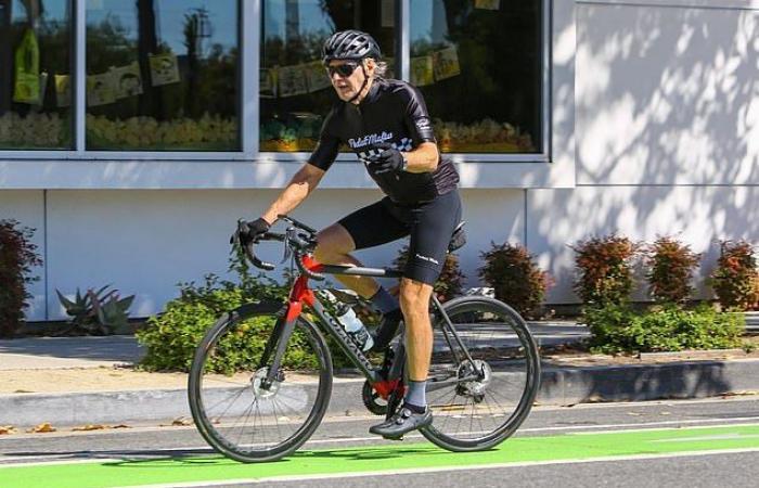 #اليوم السابع - #فن - هاريسون فورد يستمتع بقيادة الدراجة فى شوارع كاليفورنيا رغم اقترابه من الـ80