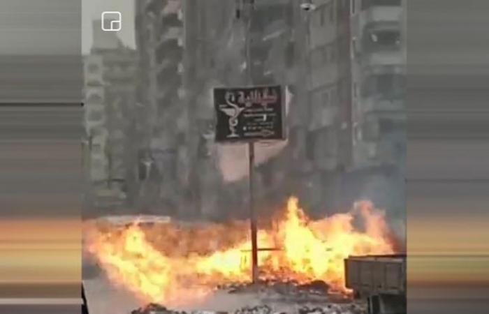 الوفد -الحوادث - صور.. اندلاع حريق في كابينة غاز بمنطقة قهوة شرف بشبرا الخيمة موجز نيوز