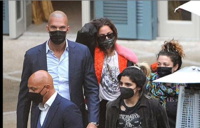 #اليوم السابع - #فن - ليدى جاجا تحتفل بنهاية تصوير فيلم House of Gucci فى روما.. صور