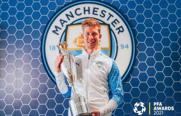 رياضة عالمية الأحد دي بروين يتوج بجائزة لاعب العام في بريميرليج من رابطة اللاعبين المحترفين