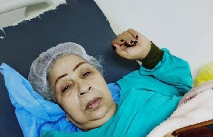 #اليوم السابع - #فن - فاطمة كشرى: خضعت لعملية فى بطنى وتعبانة وصحابى ناسونى