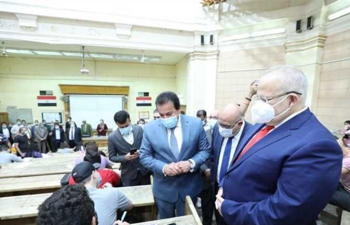 المصري اليوم - اخبار مصر- وزير التعليم العالي يتفقدان امتحانات الفصل الدراسي الثاني بجامعة القاهرة موجز نيوز