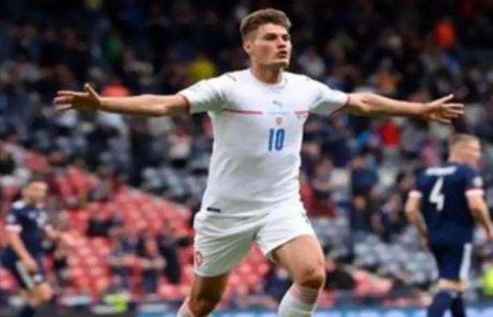 الوفد رياضة - باتريك ستشيك يعلق على هدفه بمبارة التشيك واسكتلندا في يورو 2020 موجز نيوز